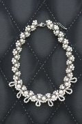 Pearl white lace necklace